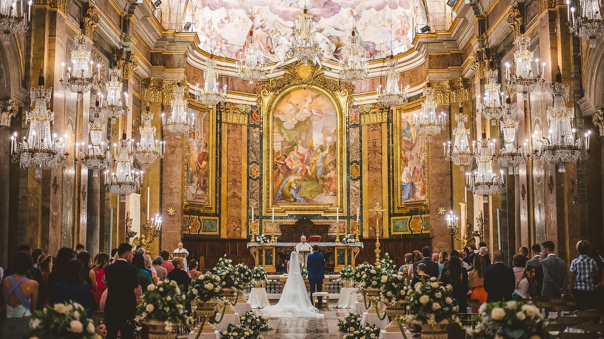 matrimonio chiesa lampadari